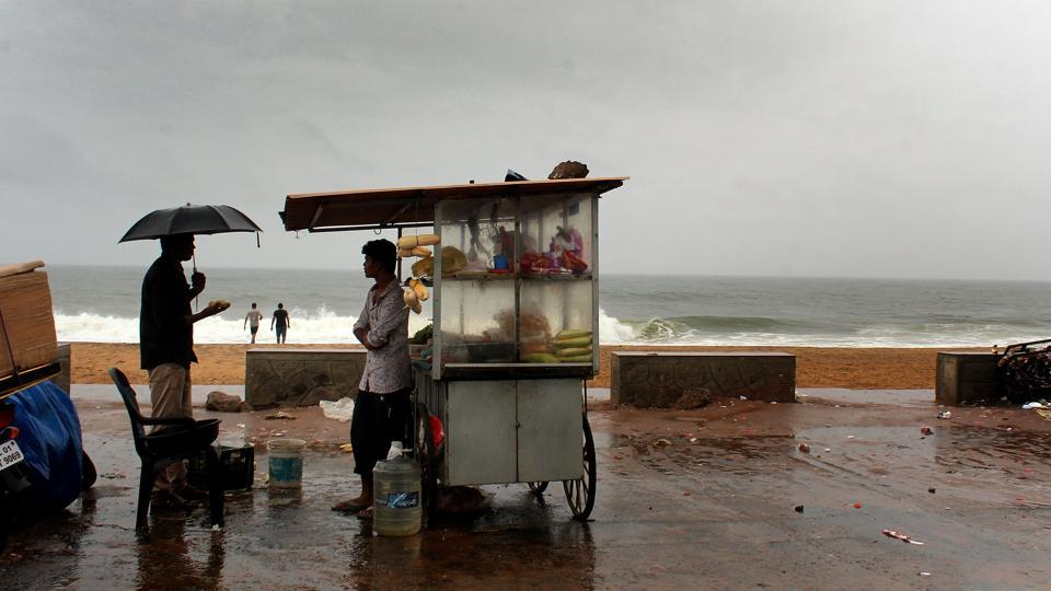 A part of the reason for the system's early arrival, according to the IMD, is the cyclone over Bay of Bengal. The June-September south-west monsoon accounts for 70% of the country's rainfall, feeding 60% of the country's farmlands that are the backbone for the economy. (Vivek Nair/HT Photo)