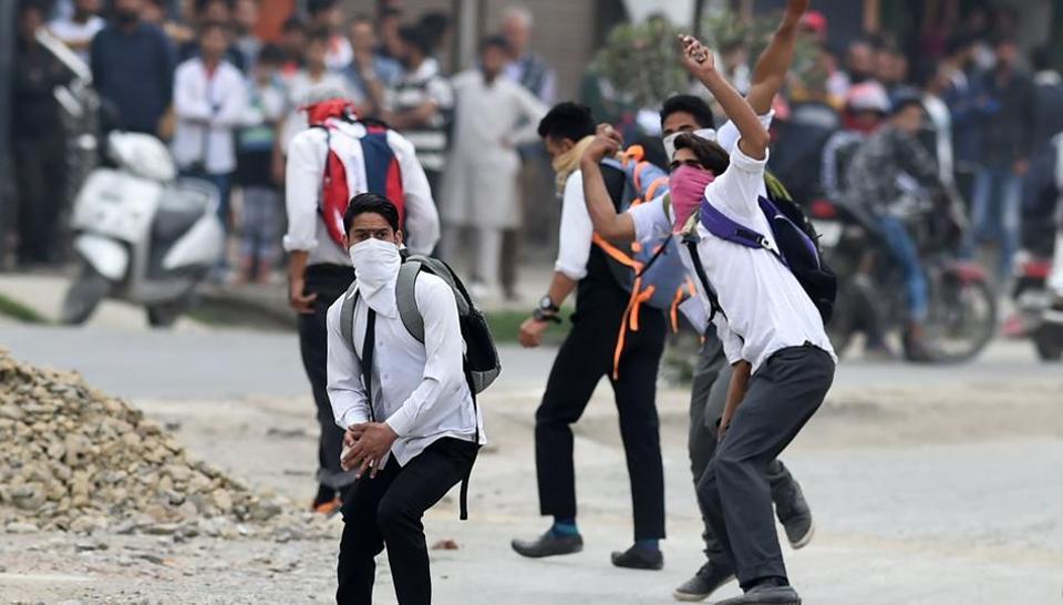 Kashmir unrest,Education in Kashmir,Sabzar Bhat