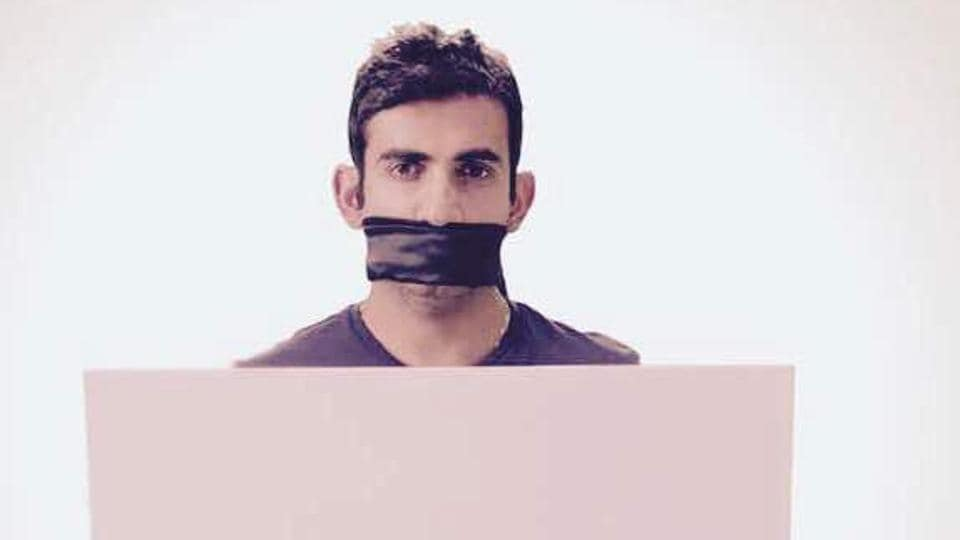 Cricketer Gautam Gambhir has made a silent video using placards where he is urging people to thank our soldiers.