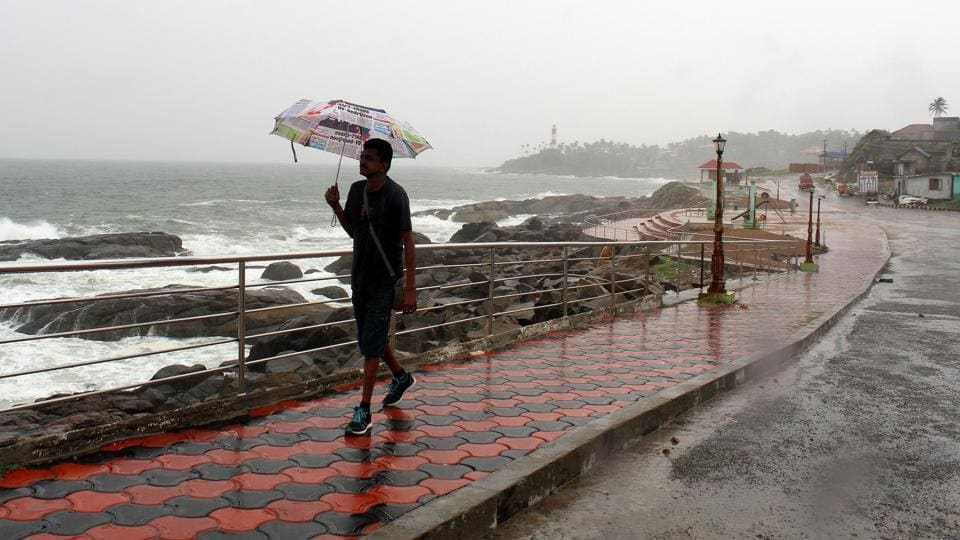 The monsoon rains are a lifeline for India's economy, especially in central and northern states where dozens die every year due to heat-strokes. (Vivek Nair/HT Photo)