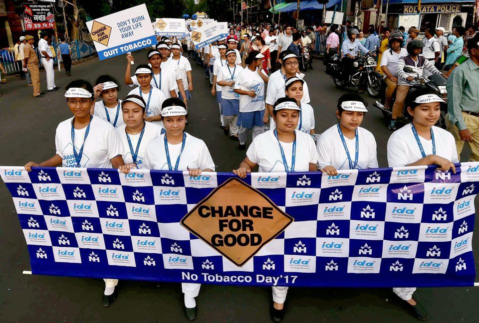 Volunteers march for Tobacco-free society in Kolkata on Tuesday on the eve of 'World No Tobacco day'.  (Swapan Mahapatra / PTI)
