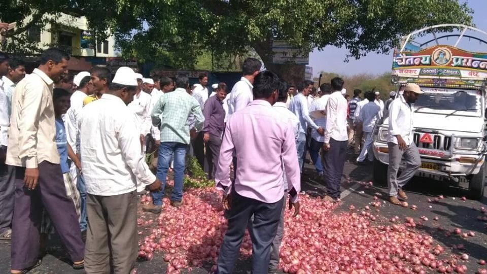 Mumbai city news,Maharashtra farmers strike,vegetables
