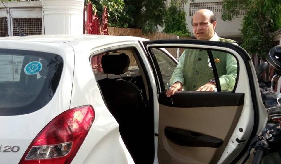 Vijay Jolly,BJP MLA,Vijay Jolly robbed