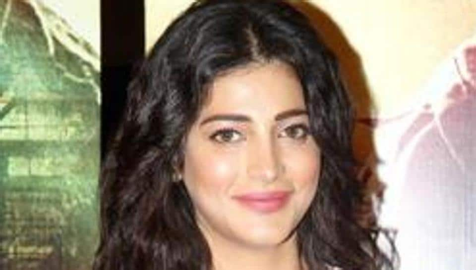 Shruti Haasan was in news for walking out of Tamil film Sangamithra, which she promoted in Cannes earlier this month.
