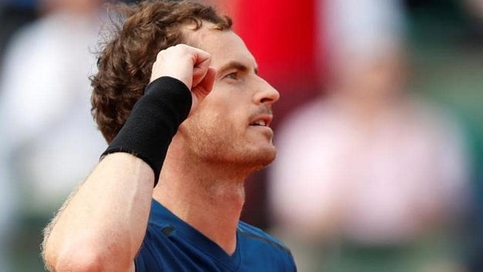 Andy Murray sweeps past Kuznetsov