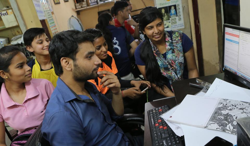 Students are paying up to Rs 600 to get their Delhi University online admission form filled.