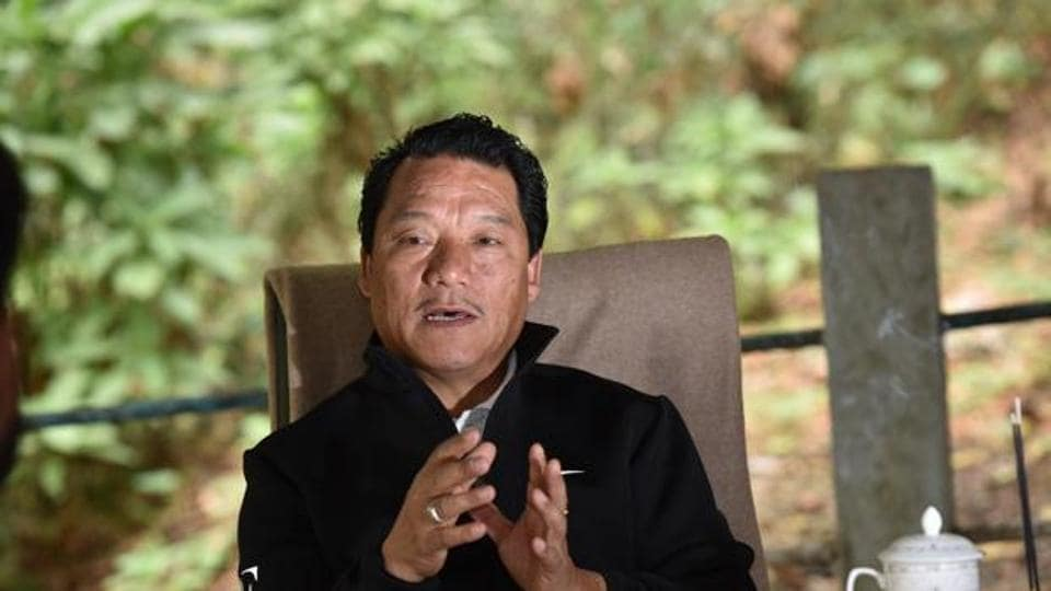 GJMpresident Bimal Gurung has vowed to resist the plan of the chief minister to teach Bengali to school students mandatorily.