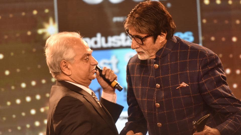 Ramesh Sippy and Amitabh Bachchan during HT Mumbai's Most Stylish Awards 2017.