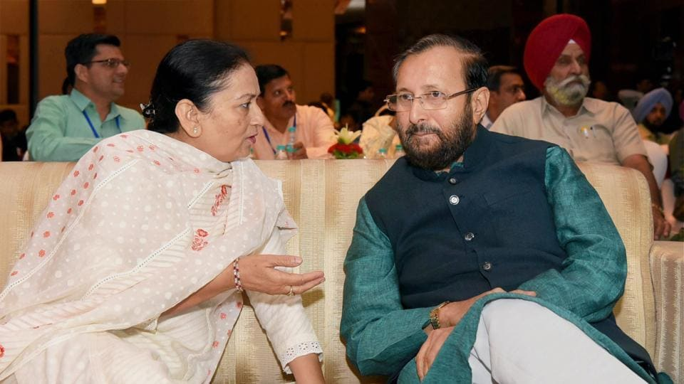Union human resource development minister Prakash Javadekar  with Punjab education minister Aruna Chaudhary at a workshop on 'Innovative and Best Practices in School Education' in Chandigarh on Friday.