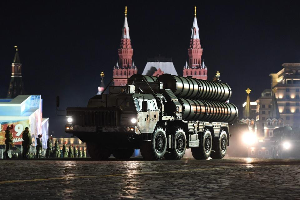 India plans to buy S-400 missile systems from Russia