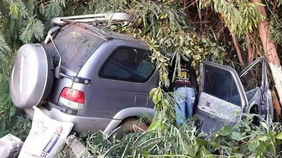 The car was on its way to Nong Ki district of Buri Ram when the 28-year-old Indian driver failed to negotiate the curve and the car skidded off the road and hit a tree.