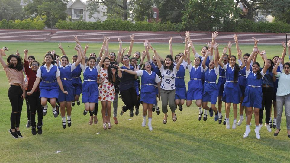 Students in a jubilant mood as CBSE declare Class 10 results on Saturday. (Karun Sharma/HT Photo)