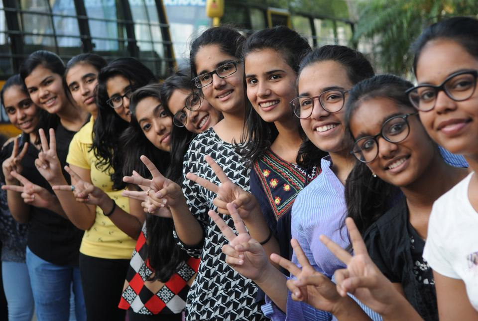 CBSE Class 10 result,CBSE results declared,Gurgaon boys outshine