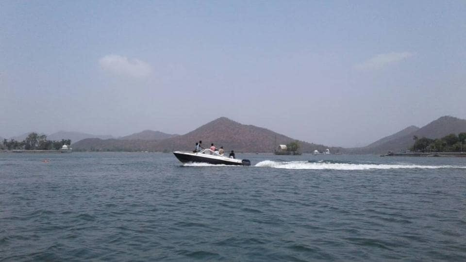 Udaipur's Fateh Sagar Lake is popular  tourist spot in Rajasthan for boat rides.