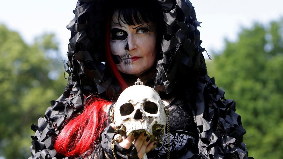 A reveller attends the Victorian Picnic during the Wave and Goth festival in Leipzig, Germany. (David W Cerny  / REUTERS)