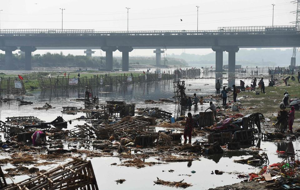 Delhi contributes nearly 70% of the Yamuna's pollution. A recent report published by the Central Pollution Control Board has found that total coliform (coming from human waste) at Okhla was in the range 230000 – 160000000 MPN / 100 litres (prescribed limit 500 MPN / 100 litres).