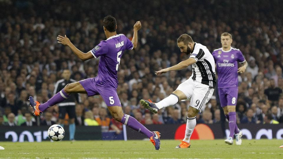 Juventus started the game well, with Gonzalo Higuain having a couple of shots on target. (REUTERS)