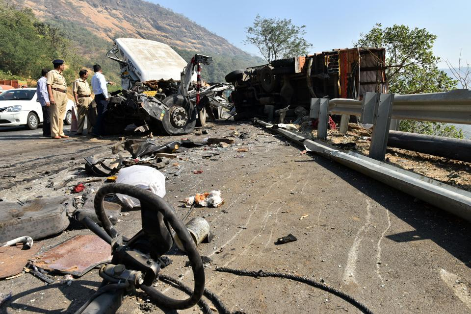 Accidents on Mumabi-Pune Expressway have almost become a daily affair.