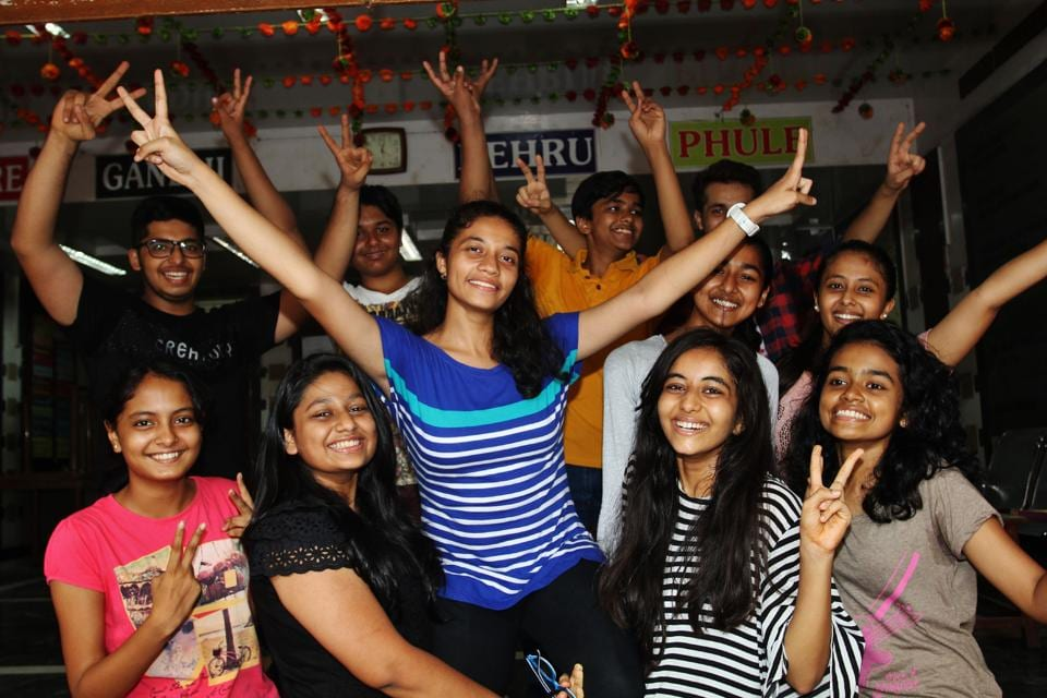 Students celebrate at Mulund.