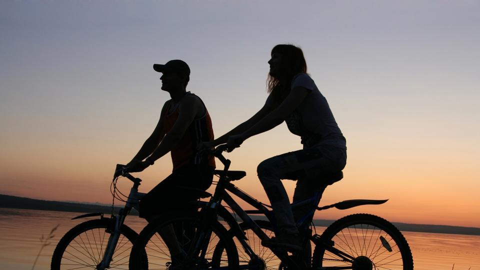Cycling reduces the risk of heart disease and diabetes.
