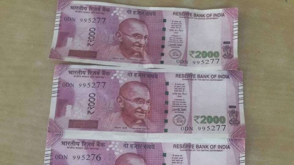 The police recovered five fake notes of Rs 2,000 (Rs 10,000), a forged registration certificate of a car and a fake driving license.