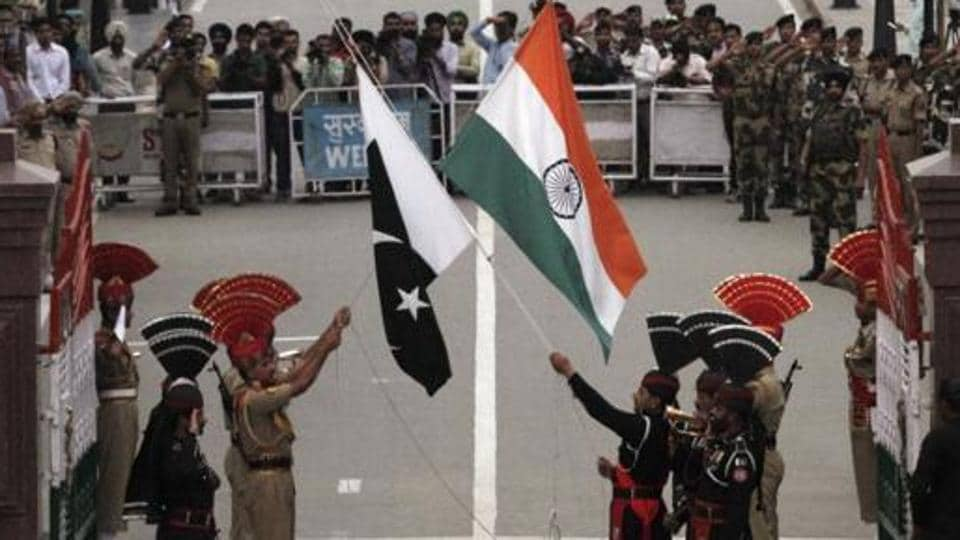 A commandant-wing commander-level flag meeting was held between Border Security Force and Pakistan Rangers on International Boundary in Suchetgarh area.