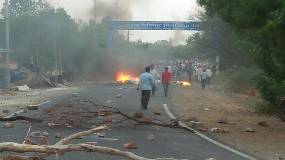 Farmers set ablaze vehicles during protests in Pipalia in Madhya Pradesh.