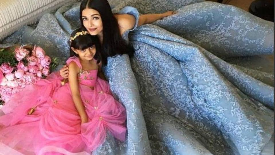 """Actor Amitabh Bachchan tweeted this picture of Aishwarya Rai Bachchan and Aaradhya at Cannes Film, and captioned it, """"Bahurani aur hamari Rani .. !!!"""""""