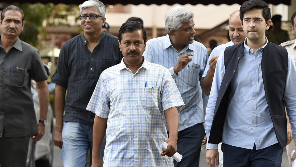 Aam Aadmi Party convener and Delhi CM Arvind Kejriwal with other leader's leave at ECI headquarters after meeting the chief election commissioner Nasim Zaidi on alleged manipulation in the electronic voting machines, New Delhi, April 01, 2017