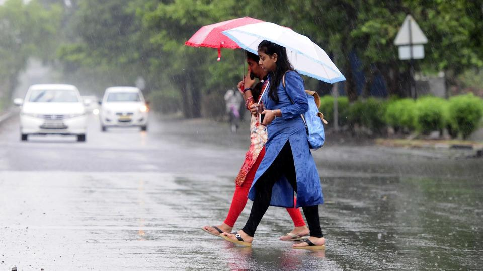 Temperature in the  Chandigarh city has been reported lower by 10 degrees after rainfall on Wednesday.  (Keshav Singh/Hindustan Times.)