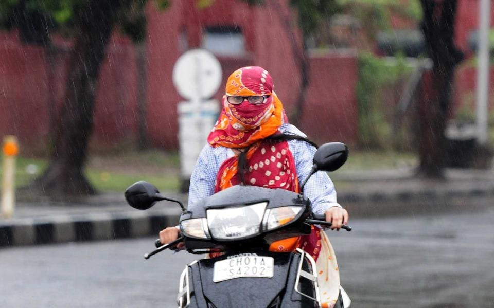 After days of scorching heat, residents of  Chandigarh were in for a pleasant surprise when they woke up to a rainy Wednesday morning. (Keshav Singh/HT)