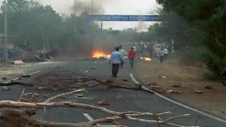 Madhya Pradesh farmers agitation,Mandsaur,Bhatta Parsaul