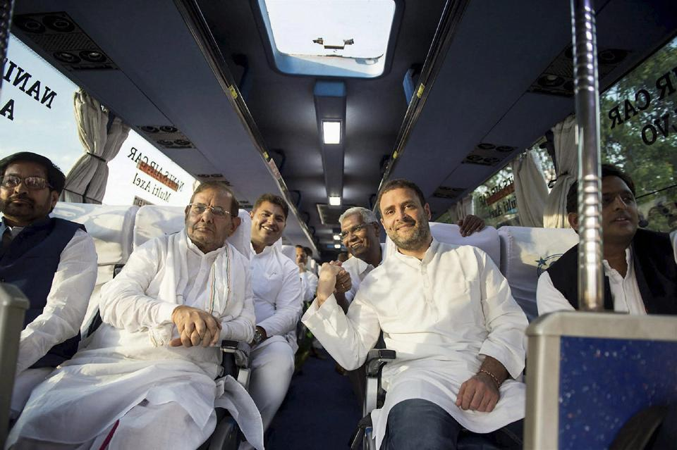 Congress Vice President Rahul Gandhi with Janata Dal (U) leader Sharad Yadav, Samajwadi Party leader and former UP chief minister Akhilesh Yadav, CPI leader D Raja and RJD leader Jaya Prakash Yadav on way to a rally in Guntur,  Andhra Pradesh.