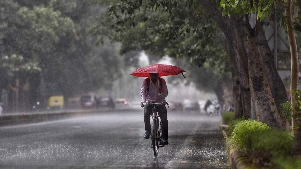 At 8am, the temperature was at 37 degree Celsius. Some parts of south Delhi also received light to heavy rain showers.