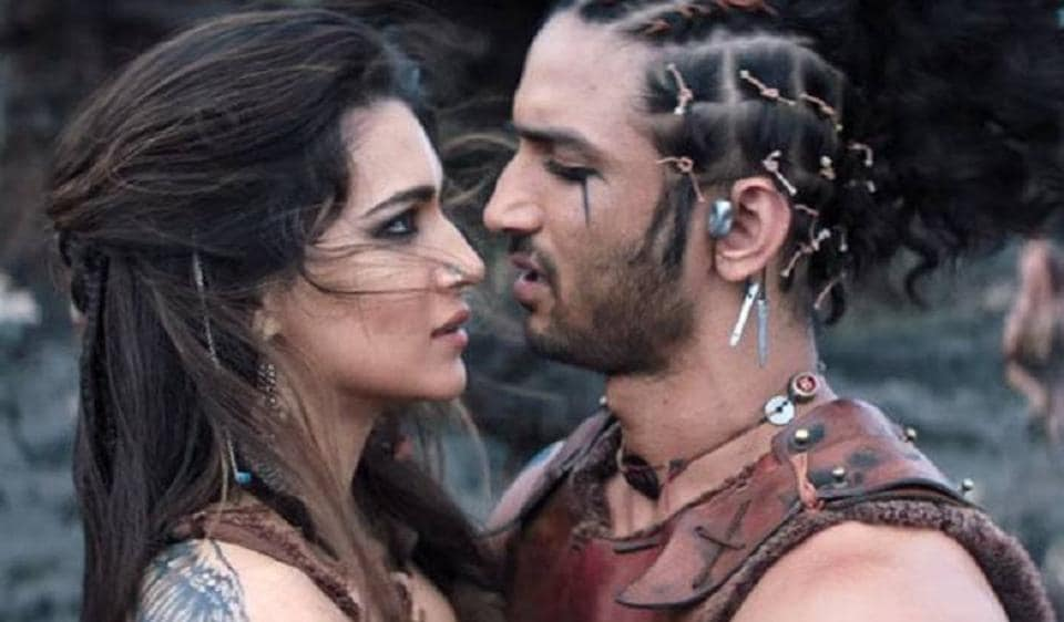 Actors Kriti Sanon and Sushant Singh Rajput in a still from Raabta.