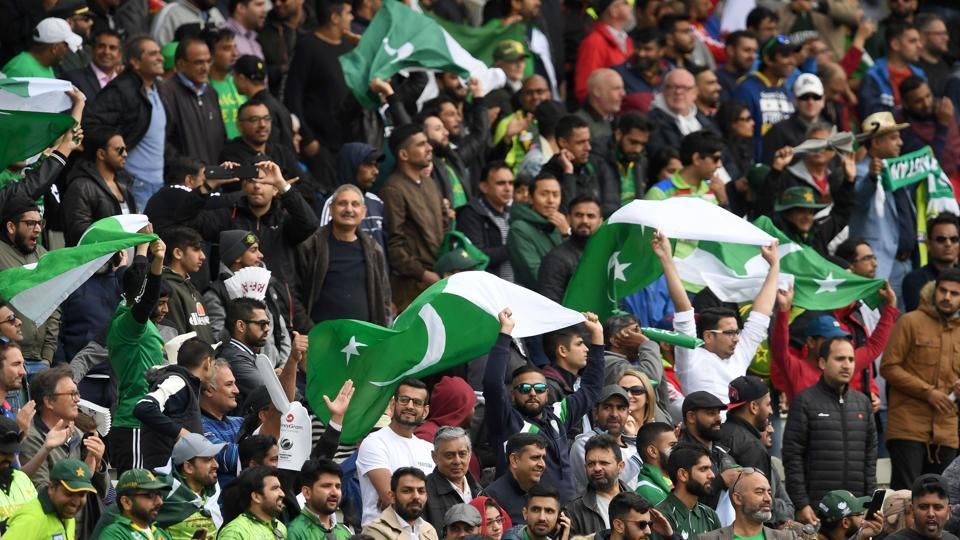 Pakistan defeated South Africa by 19 runs in a group B match of ICC Champions Trophy in Birmingham. Get live cricket score of Pakistan vs South Africa here.