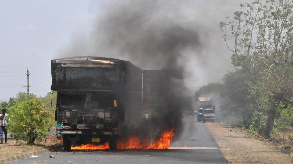 Farmers in Mandsaur, Madhya Pradesh have been demanding better prices for their produce during a 10-day protest in June. Police firing on the sixth day resulted in the death of six farmers and retaliatory blockades and vehicle burning.  (Mujeeb faruqui/ht photo)