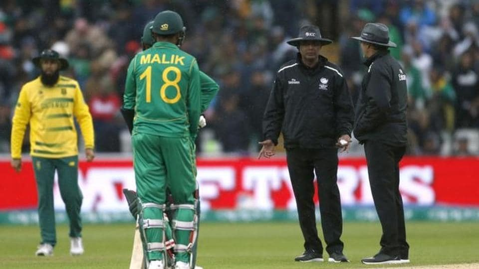 The Pakistan vs South Africa ICC Champions Trophy 2017 Group B match at Edgbaston on Wednesday was interrupted by rain. Watch match video highlights of Pakistan vs South Africa here.