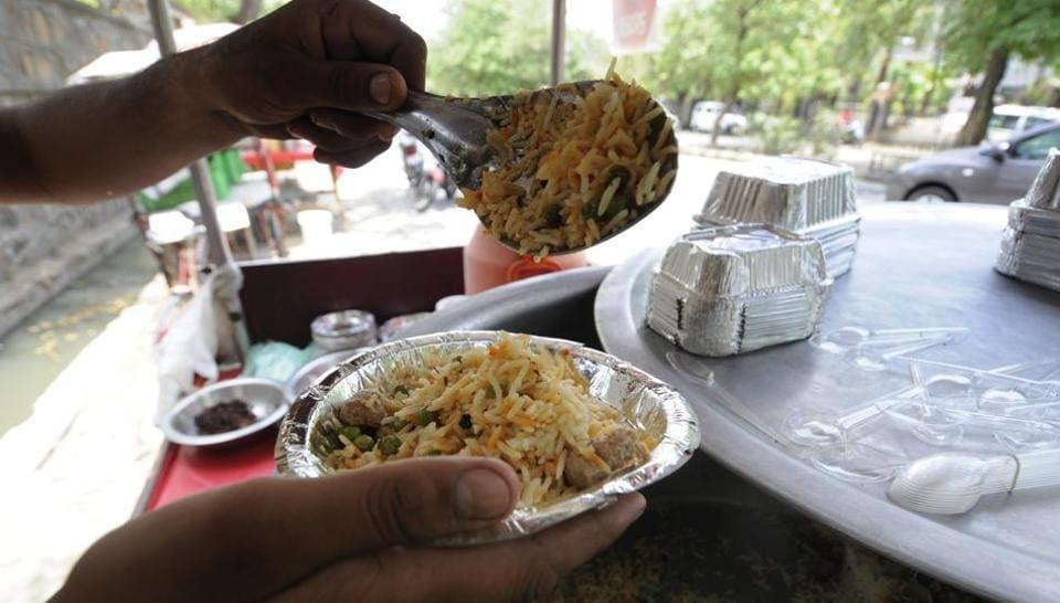 Many roadside vendors in Noida are now selling vegetarian biryani for ₹30 per plate.
