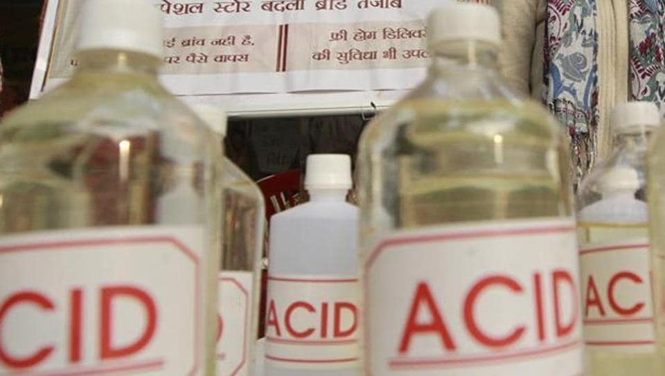 Solanki, who works as a salesman at a store in MG Road in Goregaon West, was at work when Sharma showed up at outside his shop. She then started yelling  and threw some acid that she was carrying in a bottle at him.