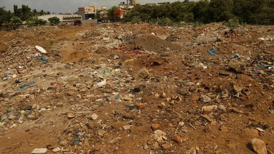 Kihim is one of many dirty beaches in and around the city.