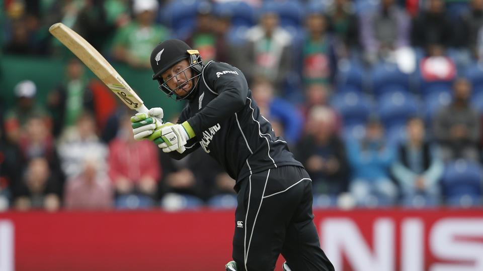 New Zealand had won the toss and opted to bat first, with Martin Guptill giving the Kiwis a good start. (REUTERS)