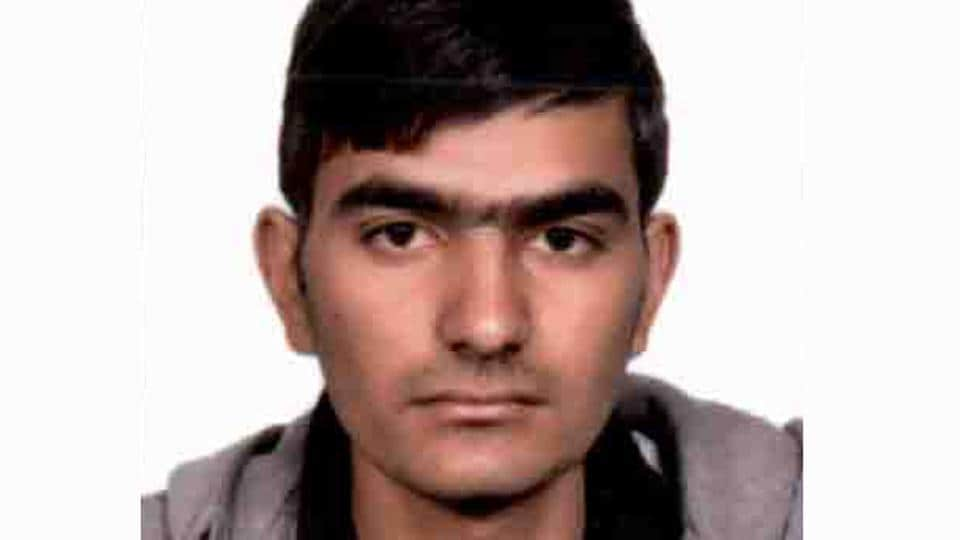 Gograj Khadda, whose father is a mechanic, managed to clear the tough Joint Entrance Examination (JEE) Advanced 2017.