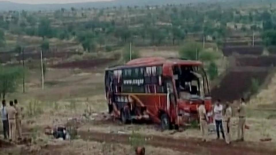 Beed bus accident,Maharashta bus accident,Road accident