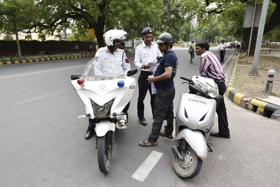 Traffic police figures show that compared to 34 lakh total challans issued in 2015, the number of prosecutions last year jumped up by 18%.