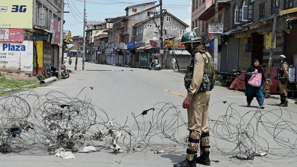 Jammu and Kashmir,Shopian,Militants