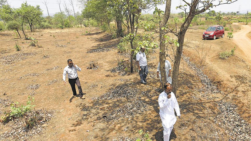 The Mumbai-Nagpur highway will span 50,000 acres. Farmers from 10 villages, including Guravali, Uttane, Pitambari and Wadgaonare, are set to lose their land.