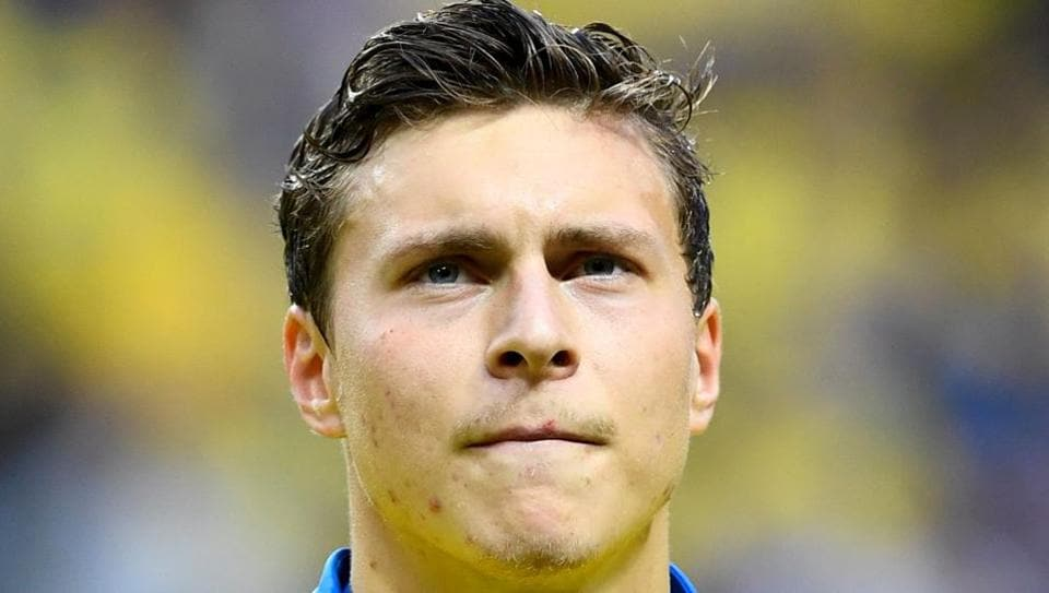 Sweden defender will now play for Premier League club Manchester United.