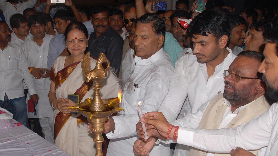 UP,labour minister,Swami Prasad Maurya