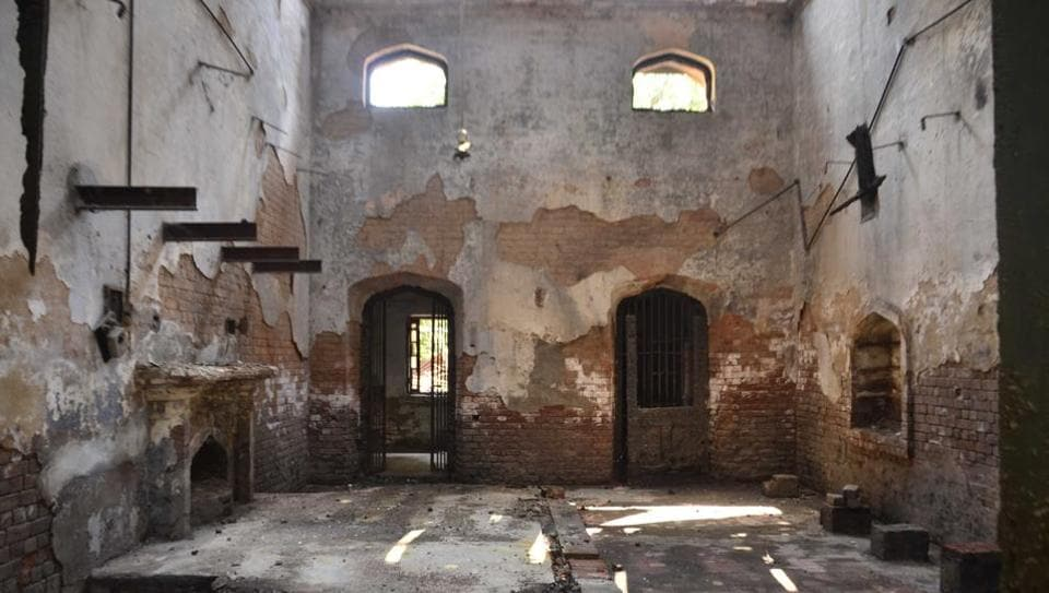 The DC's chamber in the colonialera structure had suffered extensive damage in the last year's fire, while there's no sign left of the main courtroom outside.